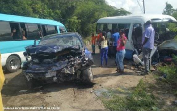 Photo of Major St Thomas crash leaves 28 persons in the hospital