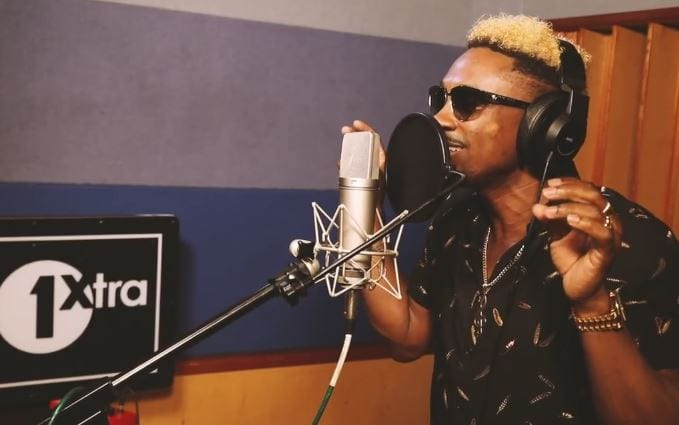 Photo of Christopher Martin here performing for BBC 1xtra [Video]