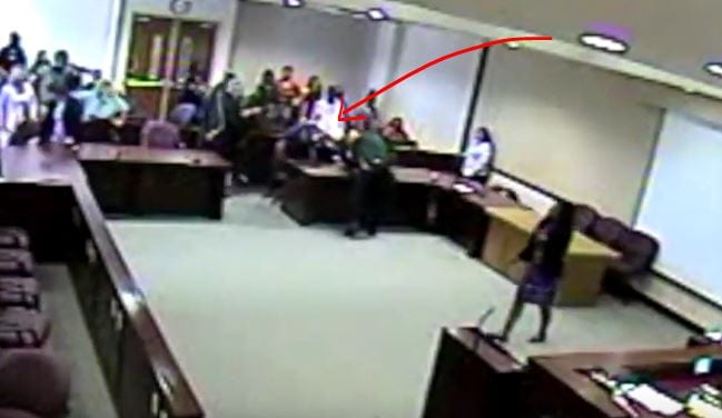 Photo of Man Punches his own lawyer in the face after being found guilty of murder in court [Video]