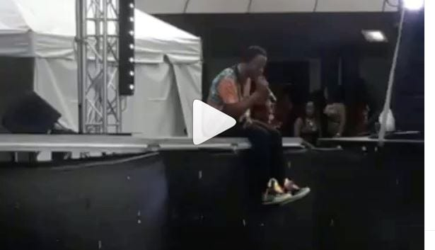 Photo of Rygin King Here Performing At A Seemingly Empty Venue In Trinidad [Video]