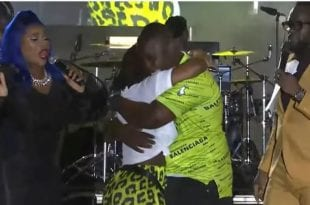 Live Marriage Proposal at 2019 Fireworks on the Waterfront kinghston jamaica