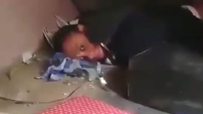 """Photo of DWL: Man finds his Wife """"YOLANDA"""" Hiding under another man's bed [Video]"""