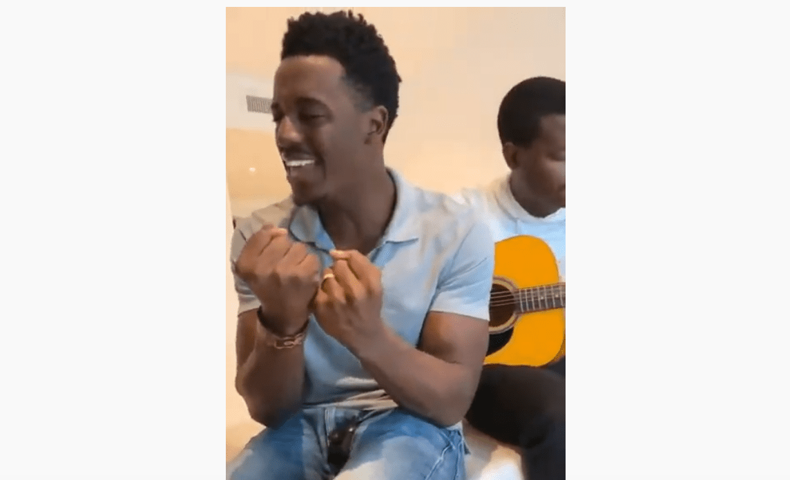 Photo of Romain Virgo here Singing about having Real Friends [Video]