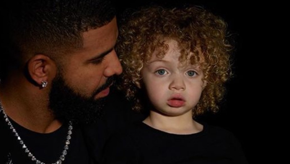 "Photo of Drake Finally Shows Us His Son ""Adonis"""