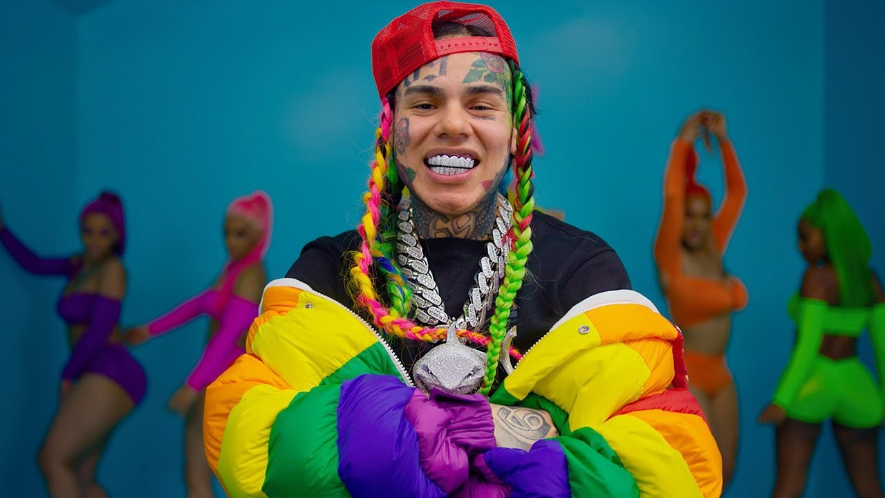 Photo of WATCH: 6IX9INE Drops First Song and Video Since Release From Prison