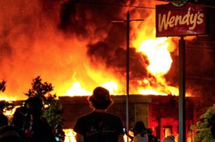Wendy's in Atlanta Burn Down after another Fatal Police Shooting