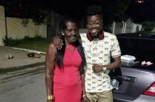 Beenie Man Visits His Mother Who is Hospitalized [Video]
